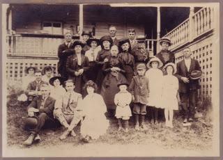 Various Artists – Family Horror