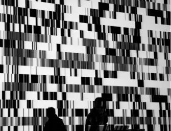Ryoji Ikeda in der Kaserne Basel: Schwarz-weiße Sinustöne